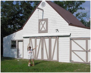 Are you planning a new garage, barn, workshop or backyard studio? Check out architect Don Berg's inexpensive, stock pole-barn plans at BackroadHomes.net