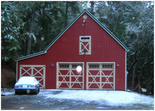 This big country garage was built from inexpensive stock pole-barn plans by architect Don Berg. Read about custom versions that are used as barns, carriage houses, workshops and studios.